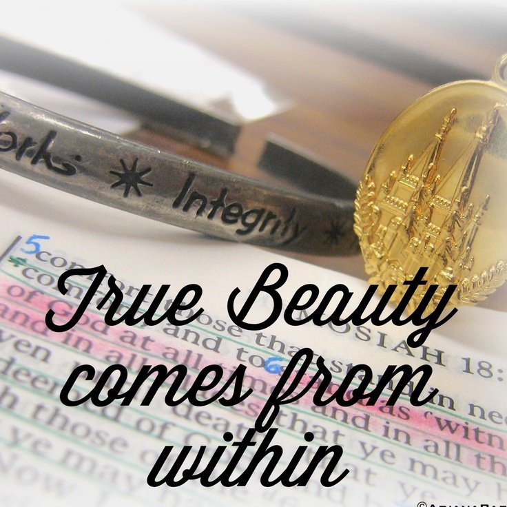 True Beauty Quote For Women 1 Picture Quote #1